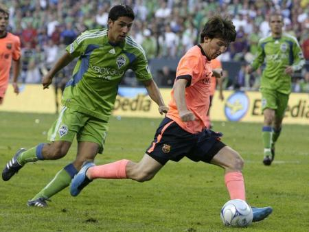 Doblete de Messi en la goleada del Barcelona al Seattle Sounders
